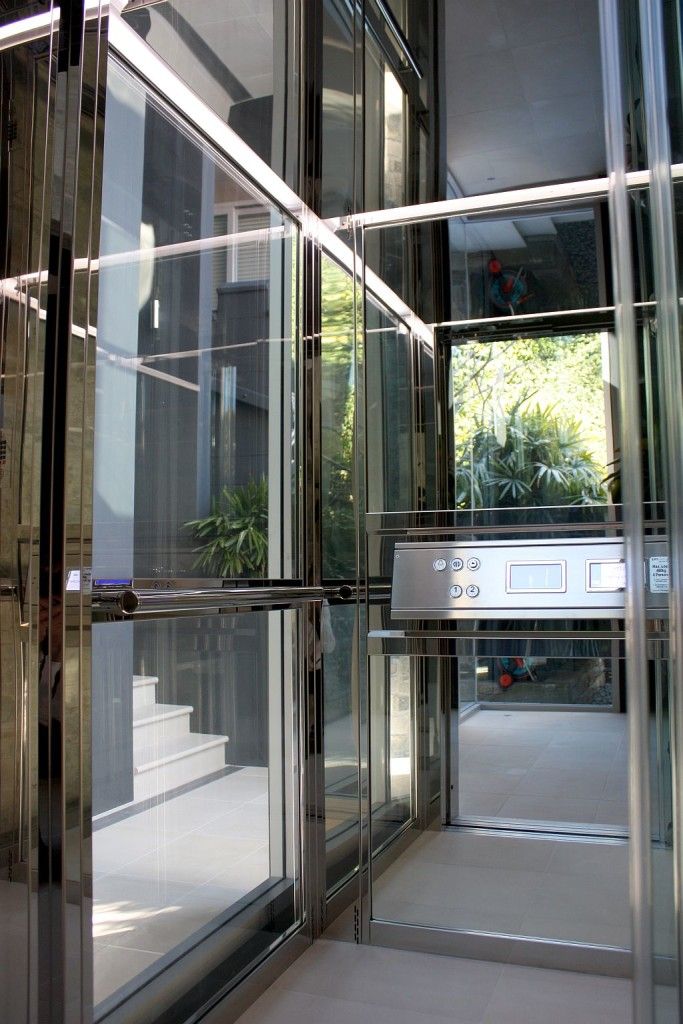 Dream home ideas luxury home elevators elevator boutique for Luxury homes with elevators
