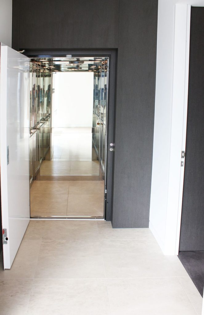 Seamless luxury home elevators at elevator boutique for Luxury home elevators