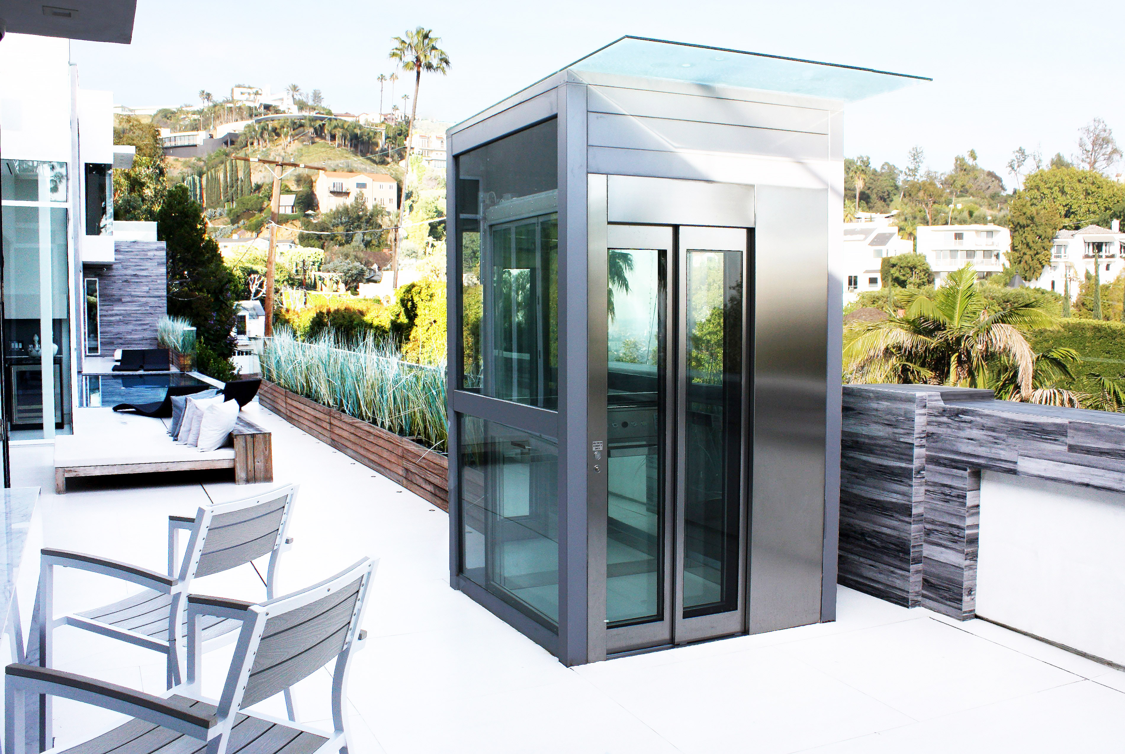 Can a Home Lift Have a Sliding Door ?